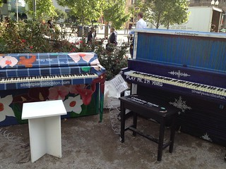 Dueling pianos at Dewey Square