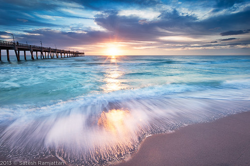ocean beach sunrise waves florida fishingpier satesh hollywoodbeach beachsunrise daniabeachpier pieratsunrise peaceinart