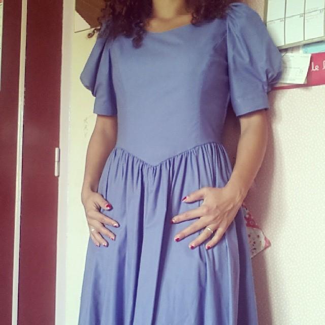 ★ aujourd'hui je porte ma robe #lauraashley ★ avec des bottines de chez kiabi et une veste courte hetm ★ #mode #look #ourlittlefamily #france