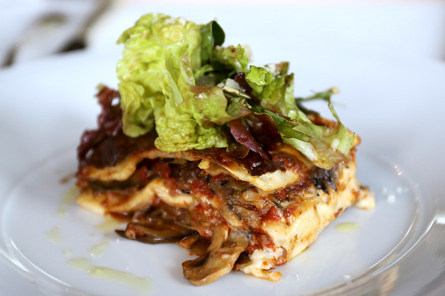 Vegetarian lasagne that kicks ass
