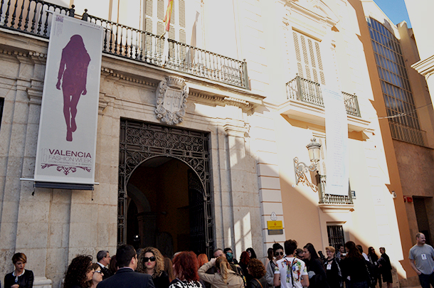 valencia fashion week VFW XVI 2014 blog moda influencer, estilo something fashion pasarela catwalk, valencia fashion blogger fashionart, spain eugenio loarce Cisne, fashion show museo de la ciudad city museum el carmen downtown VLC, anillarte fblogger outfit