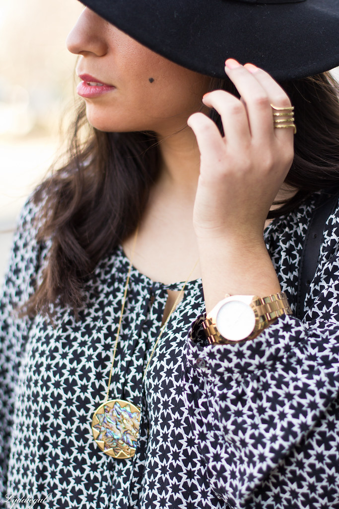 printed blouse, jeans, fedora-5.jpg