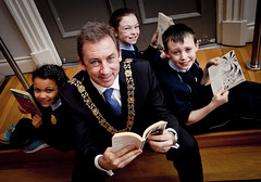 Taylor, Emma and Josh with the Lord Mayor of Dublin Oisín Quinn at the launch of the Reading Champions website.