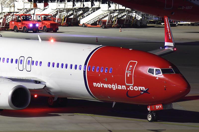 Norwegian - B738 - LN-DYY (3)