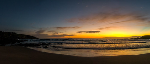australia nsw emeraldbeach pacificocean sunrise coastal dawn sea