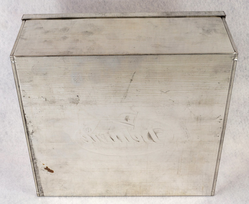 RD15330 Delacre Tin Box Square Vintage Collectible Metal Large Square Advertising DSC09184
