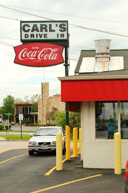 Carl's Drive In: The St. Louis Burger