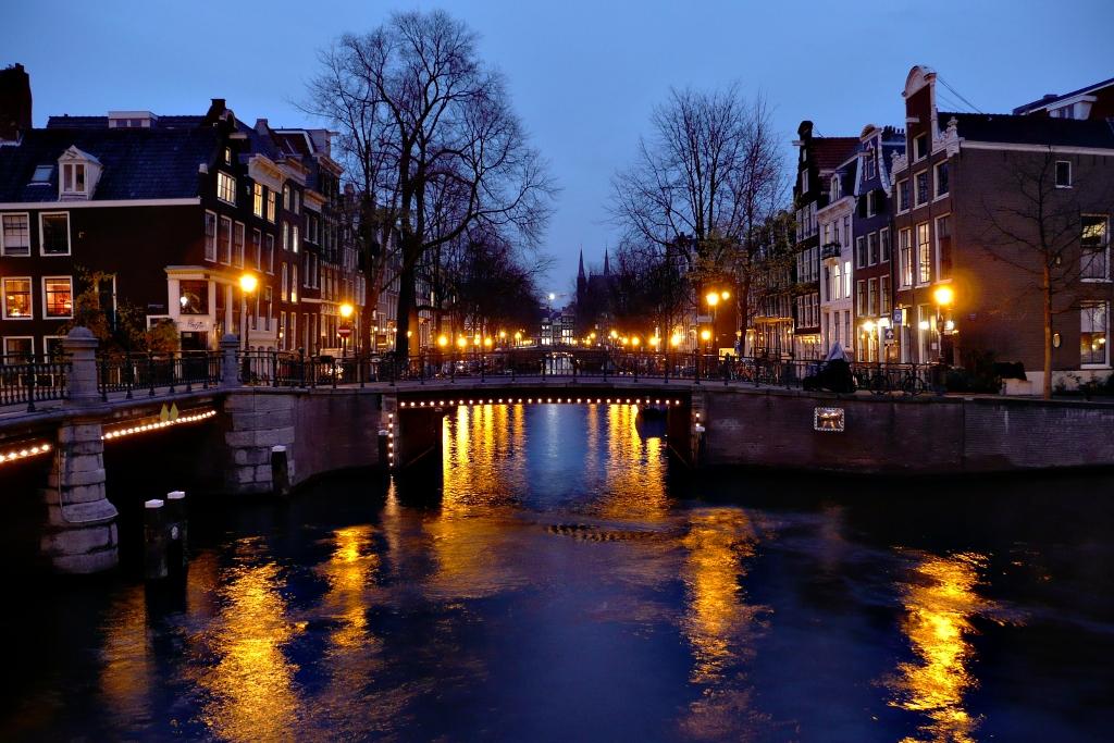 24. Nocturno en los canales, cerca del Rijksmuseum. Autor, Martin Schmid