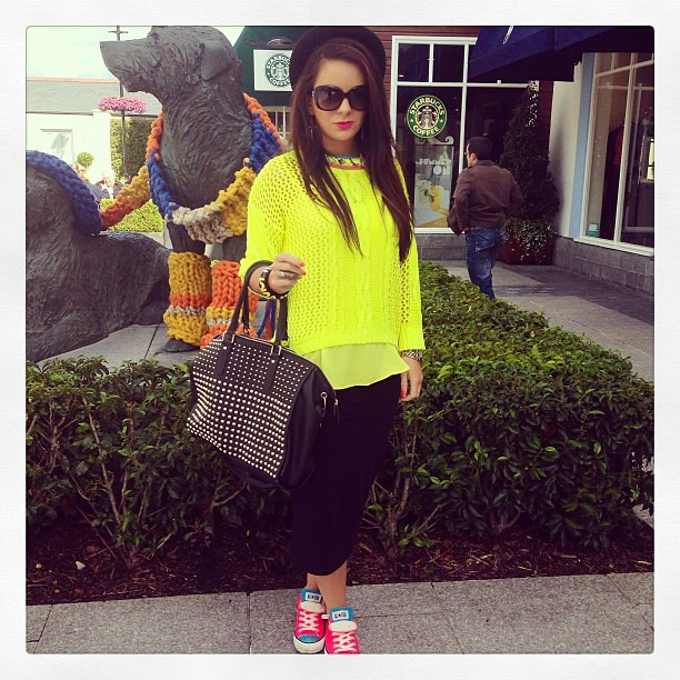 #neon #kildarevillage #rockchick #neonyellow #neonpink #converse #jumper #pencilskirt #outletvillage #shopping #studs #ootd #ootdapp #outfitoftheday #fashion #fashionblog #fashionblogger #blog #blogger