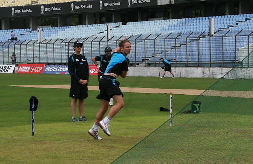 Kane Williamson trains