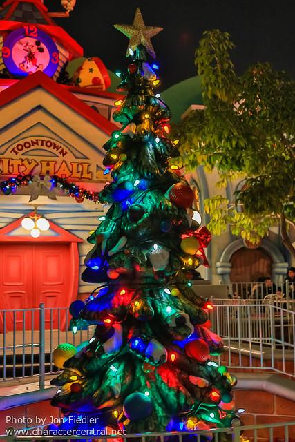 Disneyland Dec 2012 - Christmas in Toon Town