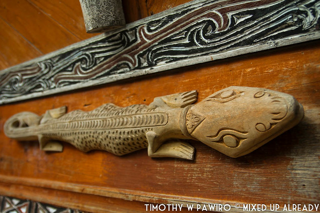 Indonesia - North Sumatra - Medan - Stone Chair of King Siallagan - Batak Traditional House - Gecko ornament