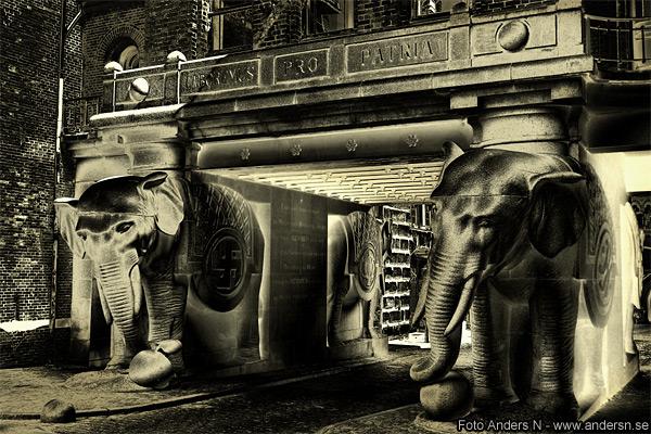 elefantpårten, elefanttårnet, elephant gate, elephant tower, elefantporten, elefanttornet, københavn, köpenhamn, copenhagen, carlsberg, ny, bryggeri, swastika, hakkors