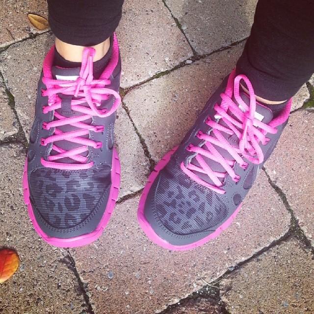 scarpe leopardate della nike