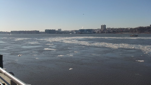 #SnapShot | #Ice Chunks Flow Down The #HudsonRiver On A Clear #Cold Day #NYC #Blue
