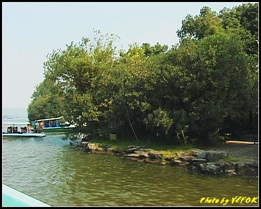 杭州 西湖 (其他景點) - 370 (西湖 湖上遊 往湖心亭 背景是小瀛洲的曲線)