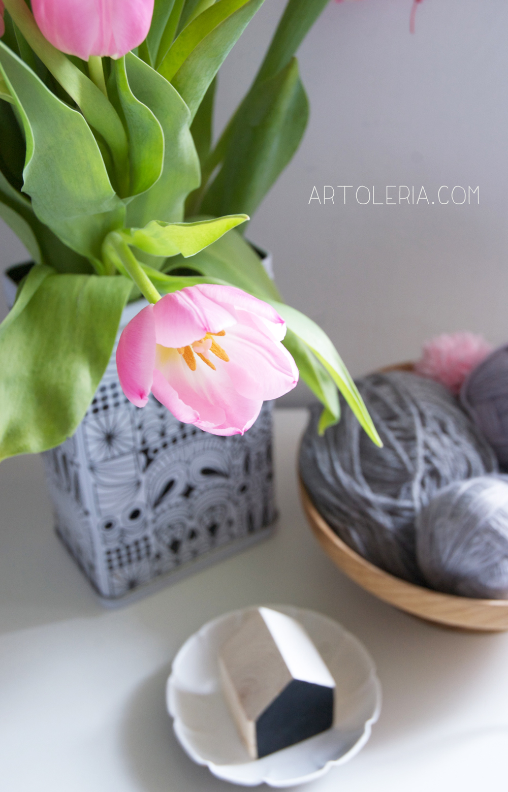 wool and tulips in my desk by Artoleria