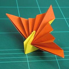 วิธีพับกระดาษเป็นรูปนกยูง (Origami Peacock - ピーコックの折り紙) 029
