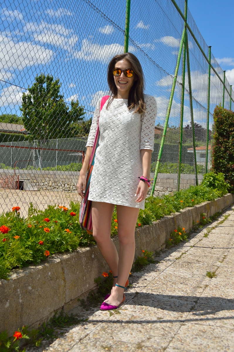 lara-vazquez-madlula-blog-lace-dress-spring-happy-face