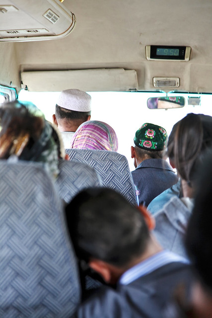 People in the local bus, Kumul (Hami) ハミ、ローカルバスにて