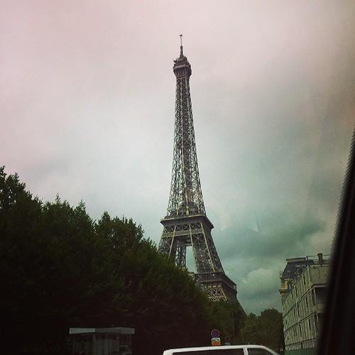最終日はエッフェル塔の近くで。