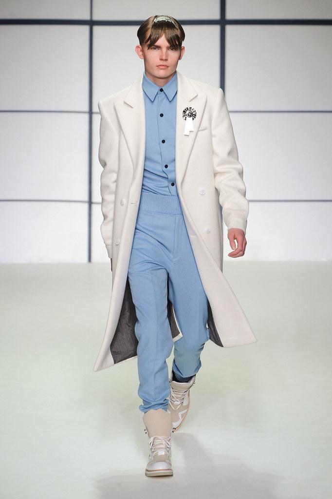 Timothy Kelleher3148_FW13 London Xander Zhou(fashionising.com)