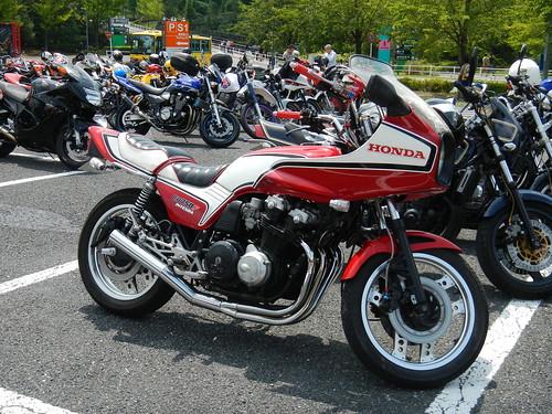 HONDA CB750F INTEGRA