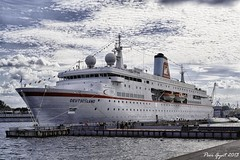 "MS Deutschland in Saint-Petersburg. Круизный корабль ""Дойчланд"" в Петербурге."