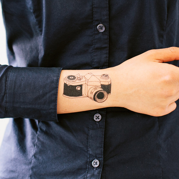 tattly_julia_rothman_camera_1_web_applied_04_grande