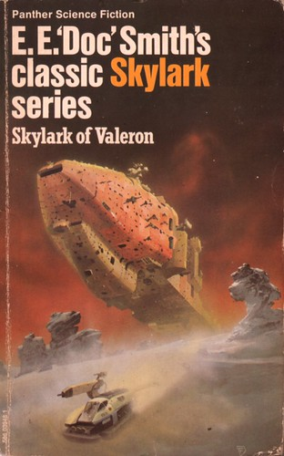 Skylark of Valeron by E.E. 'Doc' Smith. Panther 1974. Cover artist Chris Foss