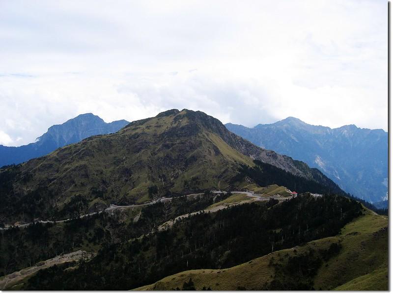 合歡主山遠眺合歡東峰及奇萊連稜