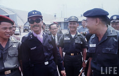 police(0.0), official(1.0), military person(1.0), police officer(1.0), person(1.0), troop(1.0),