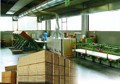 Folding tables of wood Qualyline, european manufacturer of wooden folding tables, resistant tables
