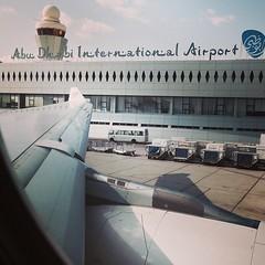 En route to Singapore! ✈️ #onemoreflight #almostthere #delayedfromiad #snowsucks #sleptinabudhabi #hellosun #readyforwarmweather