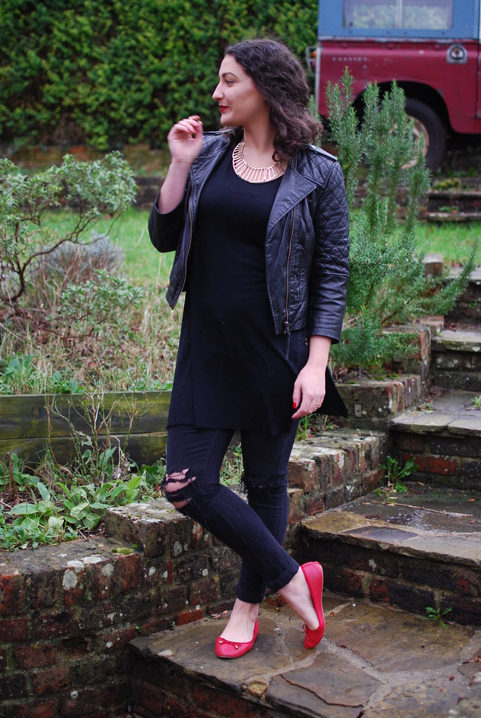 chambray and curls all black winter fashion style outfit black and red