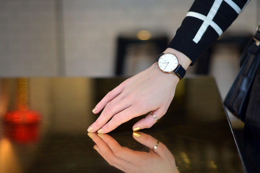 daniel wellington watch outfit at scandic grand central in stockholm cats dogs fashion. Black Bedroom Furniture Sets. Home Design Ideas