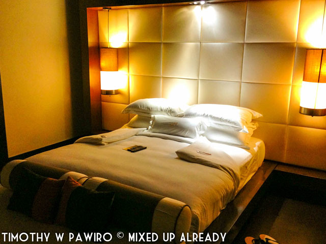 Malaysia - Kinabalu - Gaya Island Resort - Bayu villa - The bed