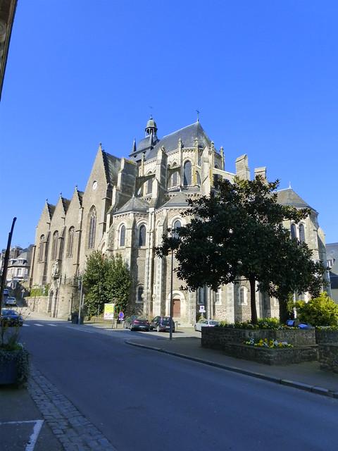 489 Basilique Notre-Dame-des-Miracles de Mayenne
