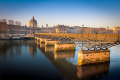 Sunrise at pont des arts