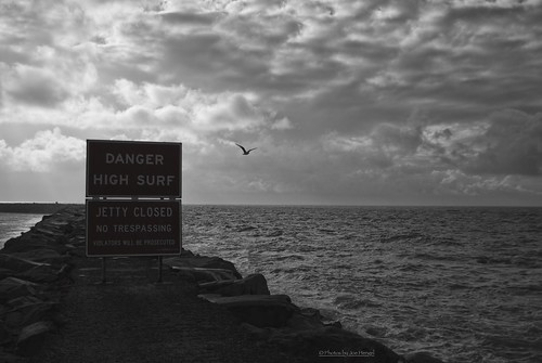 danapoint danapointharbor morning morninglight goodmorning jetty sign signs goldenstate theoc orangecounty oc outdoor orange california clouds cloudsorangecounty ca cloudy waves water sunrise watchingthesunrise storm stormclouds stormy stormyday closed pacificocean highsurf blackandwhite bw monochrome horizon