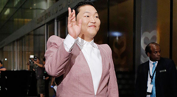 Psy on the red carpet (image via Starcount)