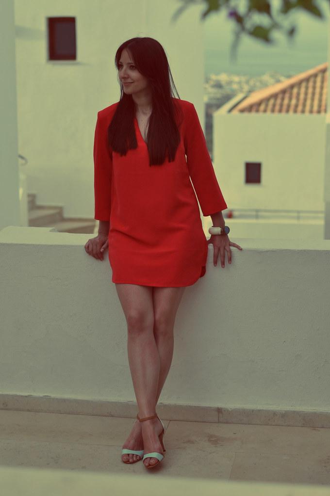red dress crete 2