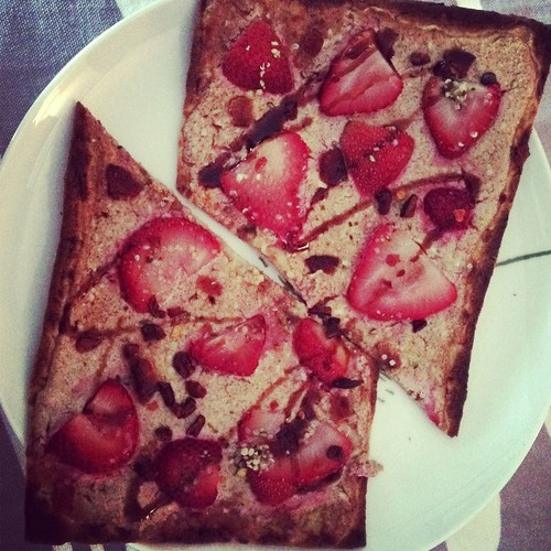 Strawberry breakfast pizza