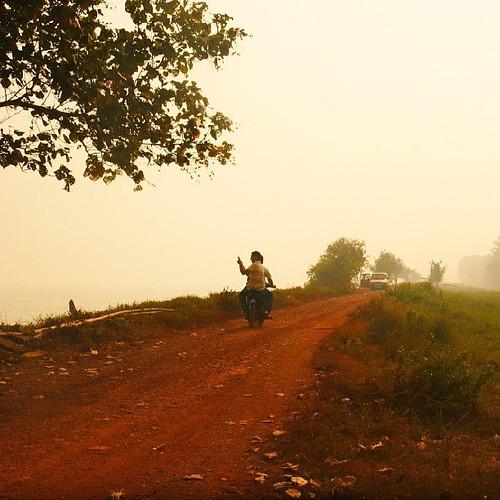 Keadaan Jerebu di Pantai Sungai Lurus, Batu Pahat. #Weather #Haze #People #Warga #Bp #Malaysia by Lensa Kugiran Jiwa