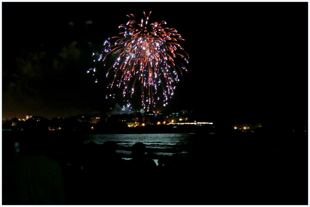Gijón, la noche de los fuegos