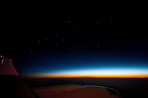 morning sky travelling night sunrise airplane stars dawn early nikon asia f14 space horizon flight wing earlymorning aeroplane jetengine 24mm nikkor 5am windowseat starlight rainbowcolours iso1000 13secexposure dreamliner boeing787 d700 boeing787dreamliner travellingintheskiesabovemongolia