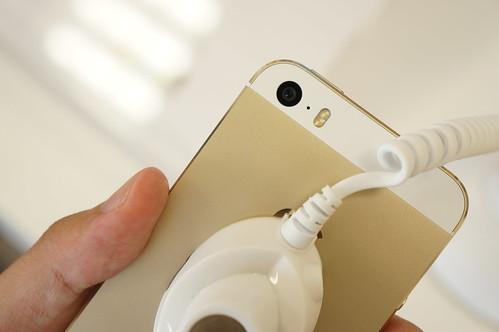 Apple iPhone 5s シャンパンゴールド背面