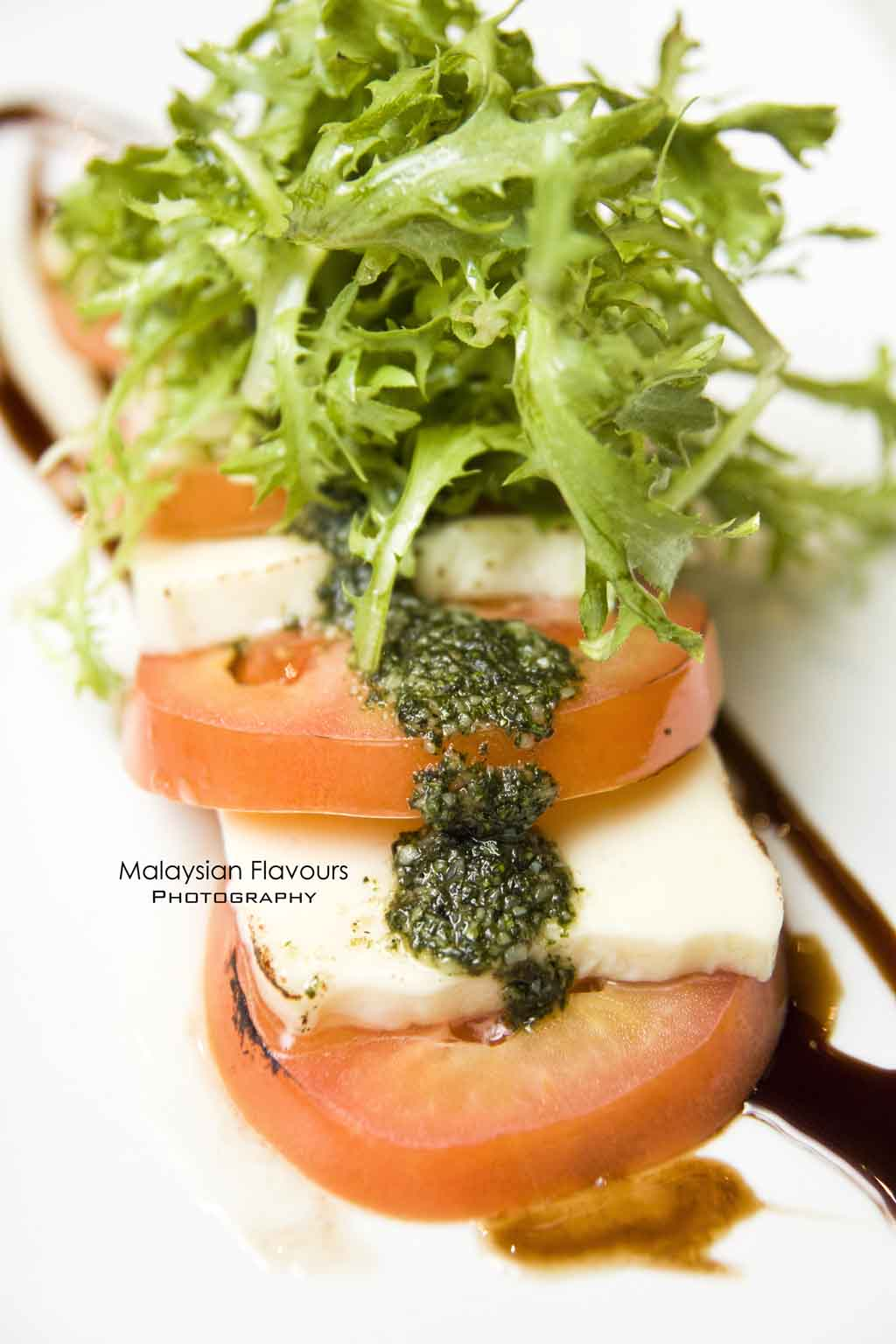 tomato-and-mozzarella-salad