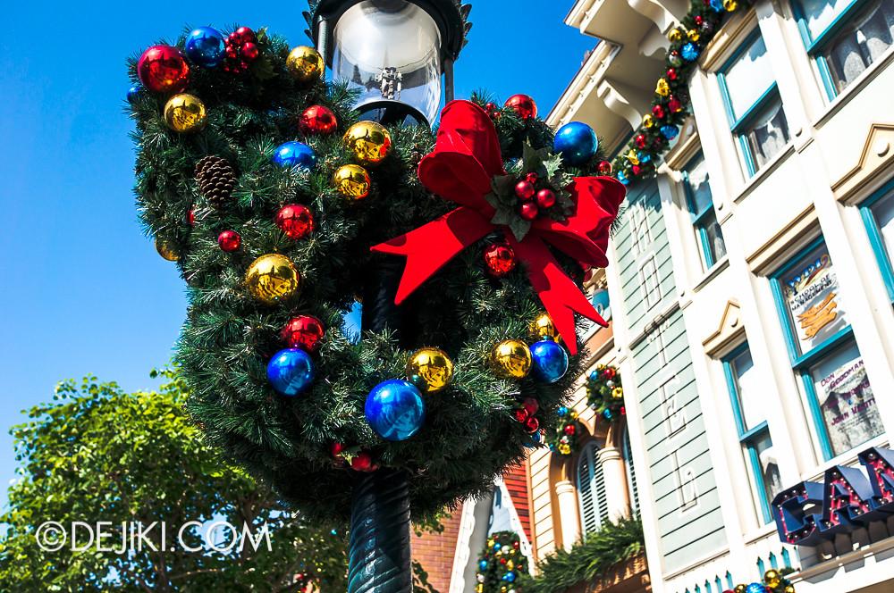 HKDL - Main Street USA Christmas Town - Mickey Wreath