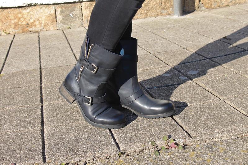 look embarazada en invierno_pantalones_zara_botas_biker_it_shoes_bufanda_cuadros_zara_jersey_rayas_embarazada_23_semanas_tercer_trimestre_street_style1